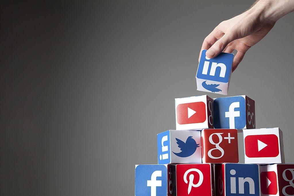 linkedin for B2B marketing -recurpost-social media scheduler